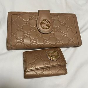 Gucci wallet and key cles